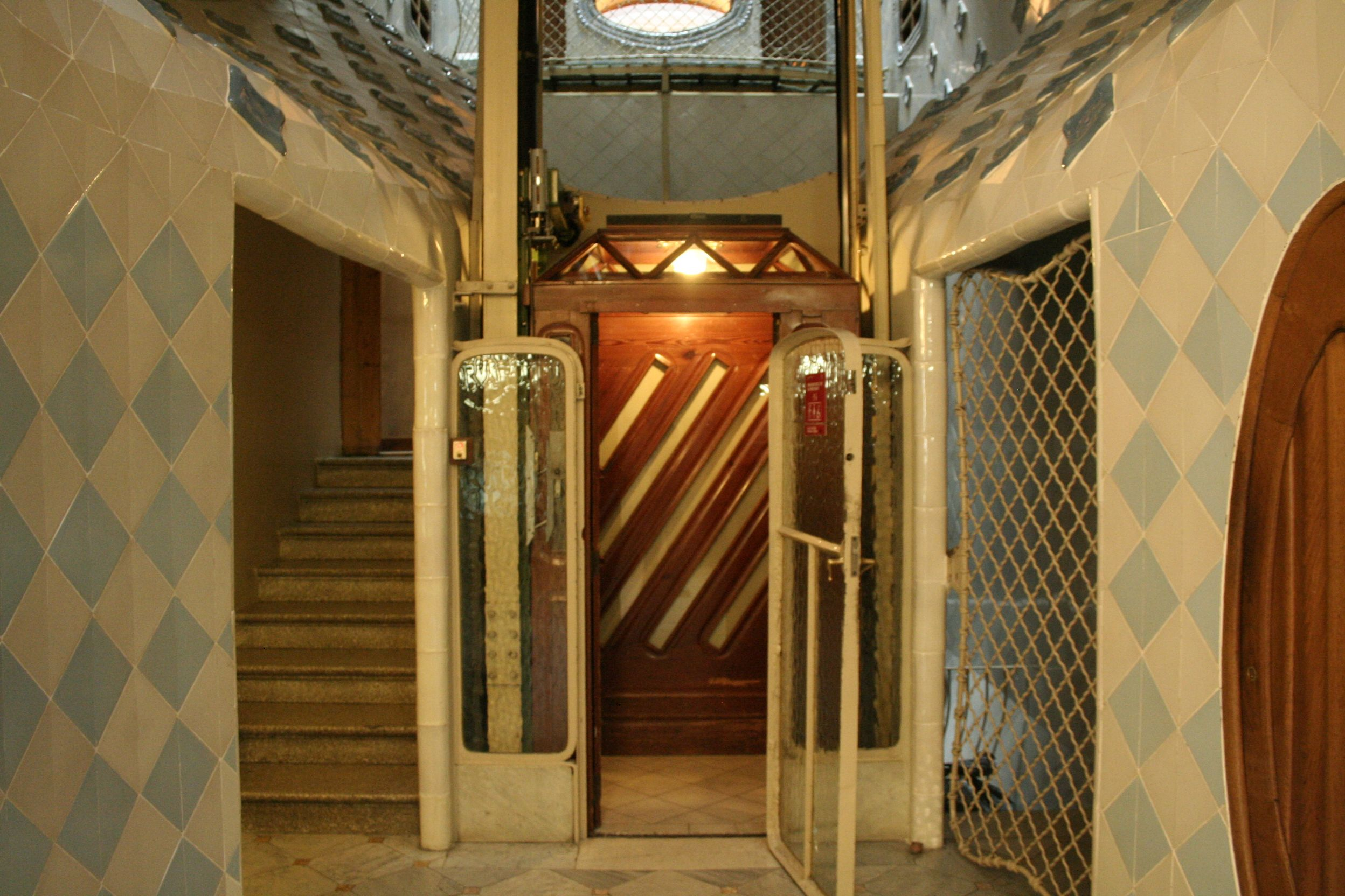 Ascensor de la casa batll ascensores elevators - Ascensor casa ...
