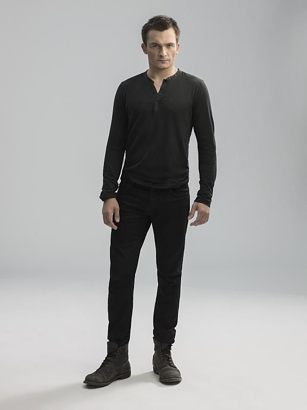 Homeland Season 5 Promo Pic @rupertfriend @SHO_Homeland