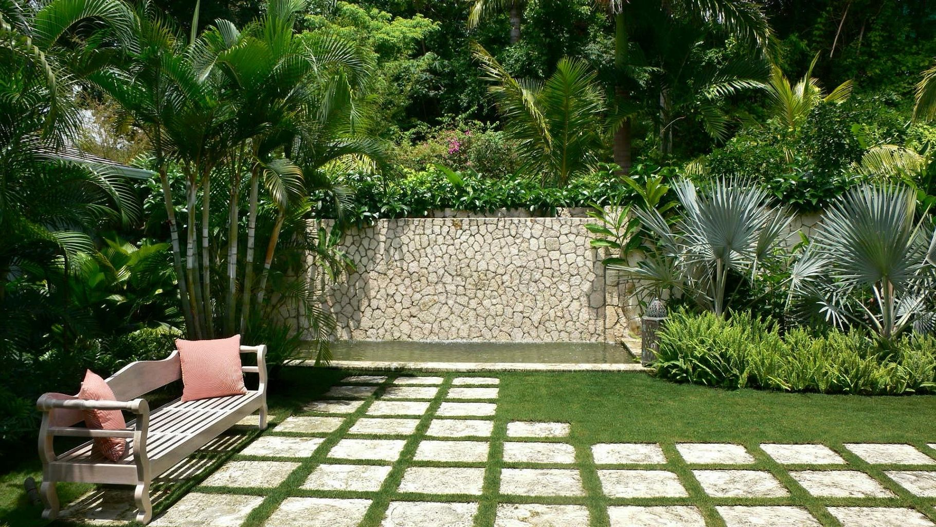 Incredible Small Tropical Backyard Ideas Garden Design Hotshotthemes