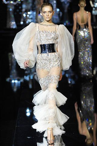 af15bd43b9 Dolce & Gabbana   Fall 2007 Ready-to-Wear Collection   Style.com ...