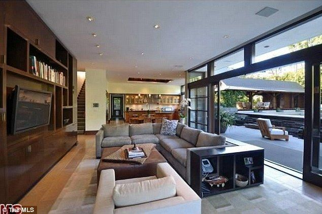 Celebrity News Matt Damons Pacific Palisades Mansion