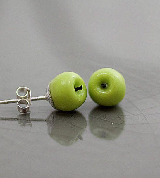 Dinky apple stud earrings🍏