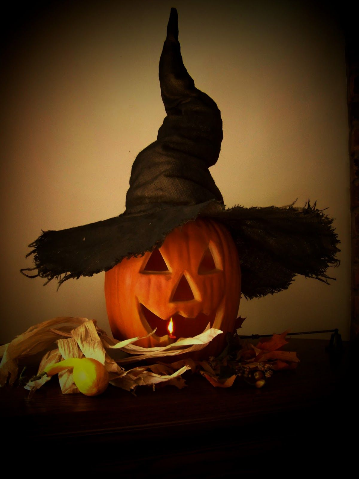 make a crooked witch hat halloween witches hats pinterest