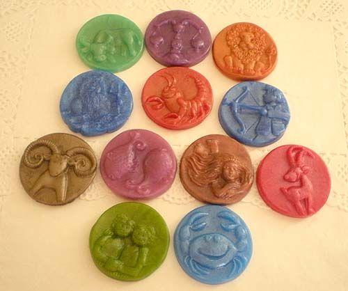 Signos del Zodiaco - Horóscopo. Jabón aromático artesanal. Fragancias. #Jabones artesanales, Jabones decorativos, Jabones aromáticos...