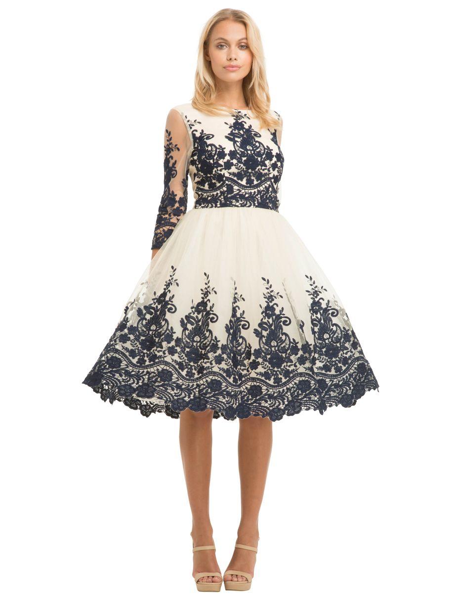 aec84c63cb Haftowana wieczorowa sukienka na bal sylwestrowy