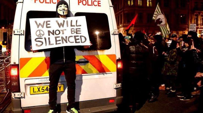 Μαζικές διαδηλώσεις κατά της λιτότητας και επεισόδια στο Βέλγιο, Λονδινο, Βουλγαρία....Στην Ελλάδα ολα βαίνουν καλως!