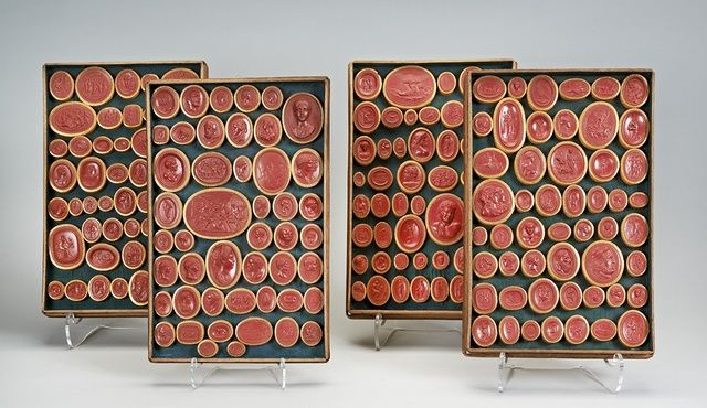 Rare Set of Two Hundred Red Sulphur Casts of Gems by Cristiano Dehn ( 1696 - 1770 ) - objects Neoclassical Antiques UK