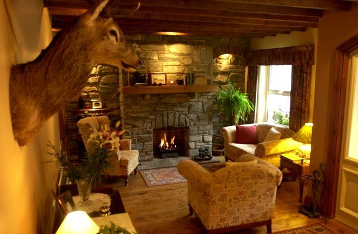 English cottage decorating interior design decor for English country living room ideas