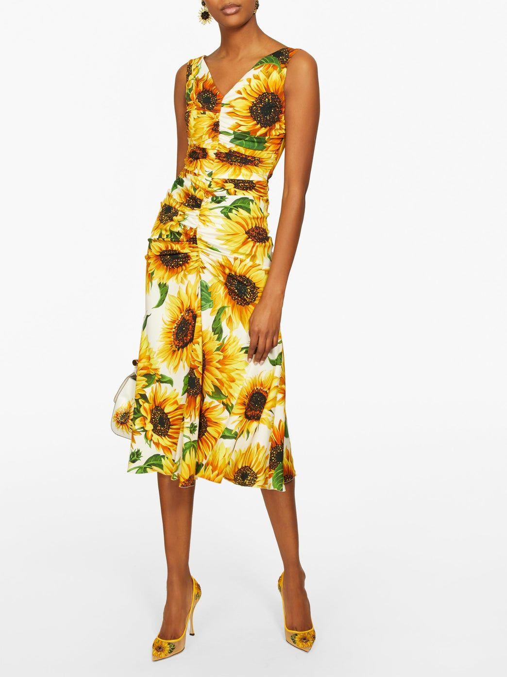 Sunflower Print Gathered Midi Dress Dolce Gabbana Matchesfashion Us Faldas Dolce Gabbana Girasoles [ 1392 x 1044 Pixel ]