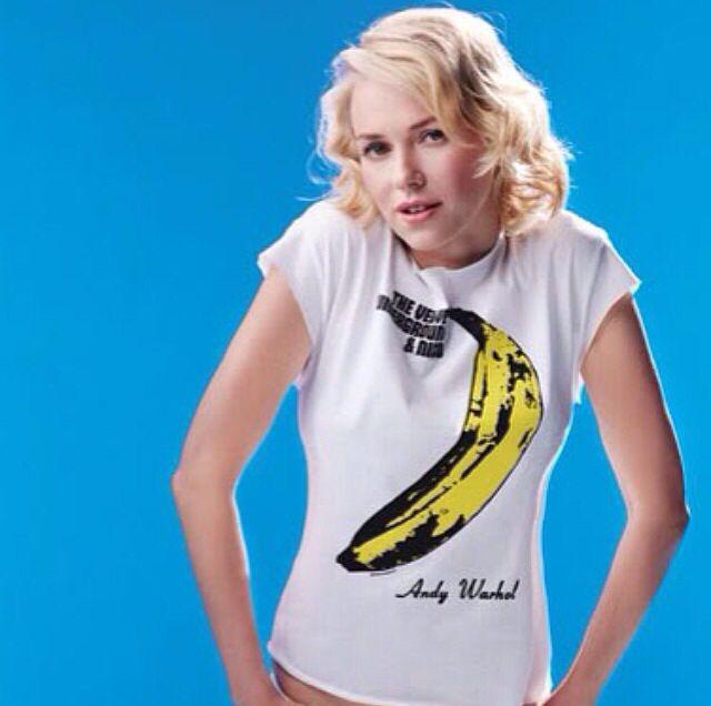 Naomi Watts rocking Velvets' Banana album tee!