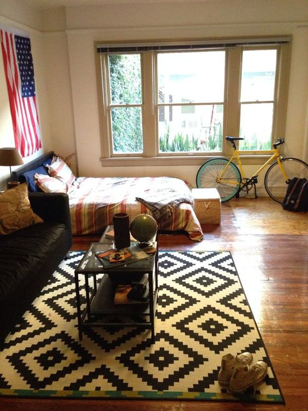 Most Dorm Rooms Have A Decor That Is Free And Youthful Not A Bit Of Dorm Rooms Using American Flag Display As A Decoration That Characterizes