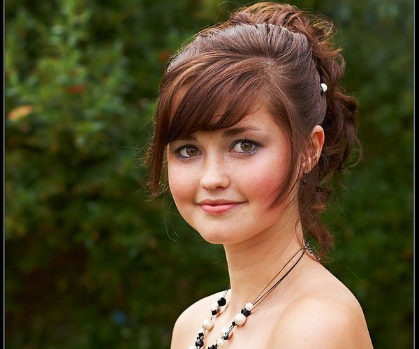Ponytail Hairstyles 30 Striking Best Hairstyles For Round Faces