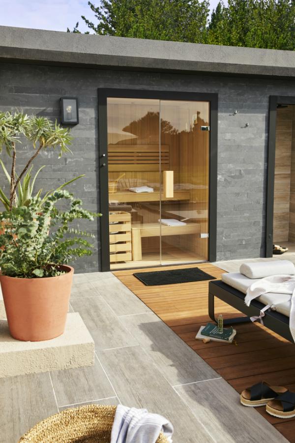 Une Piscine Un Spa Detente Et Bien Etre Sauna Exterieur