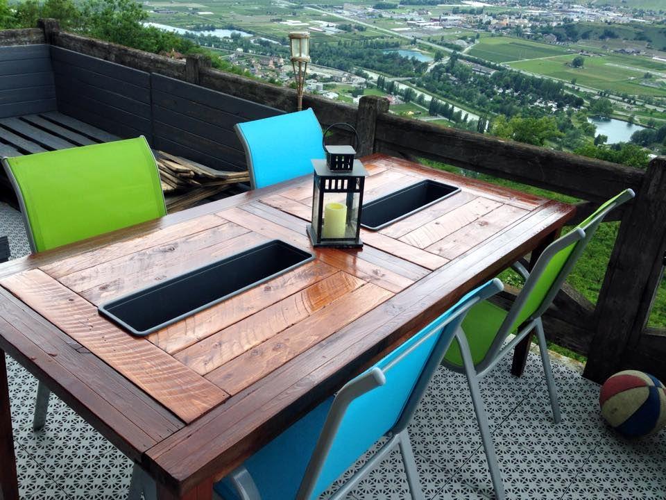 table exterieur objet et meuble en palette meubles. Black Bedroom Furniture Sets. Home Design Ideas