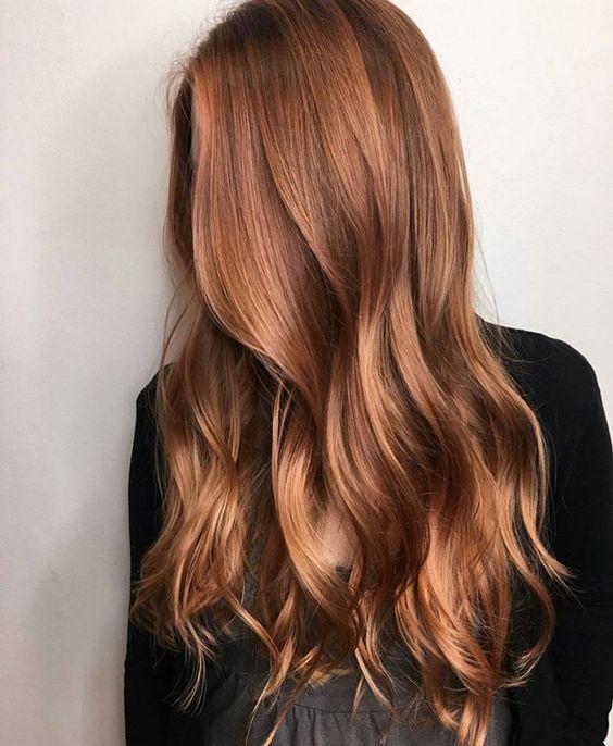 30+ braune Haare mit Highlights und Lowlights