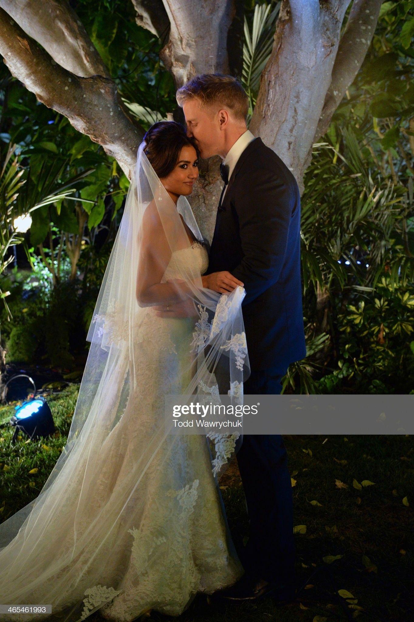The Bachelor Season 17 Sean Lowe And Catherine Giudici Wedding Bachelor Wedding Wedding Renewal Wedding