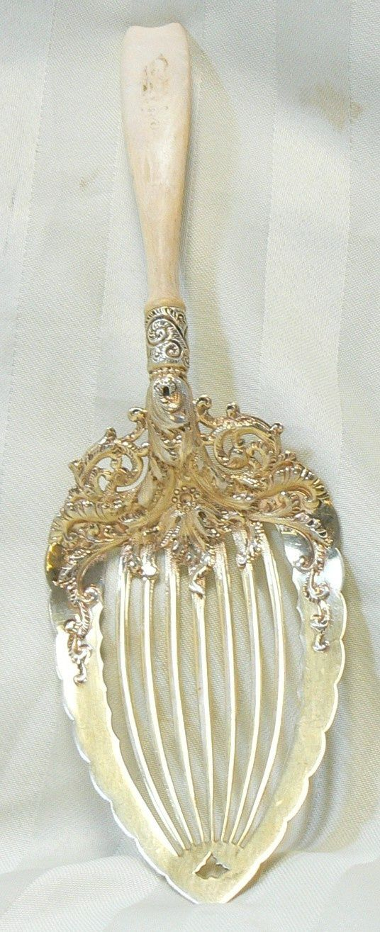 Whiting pie server, circa 1890.