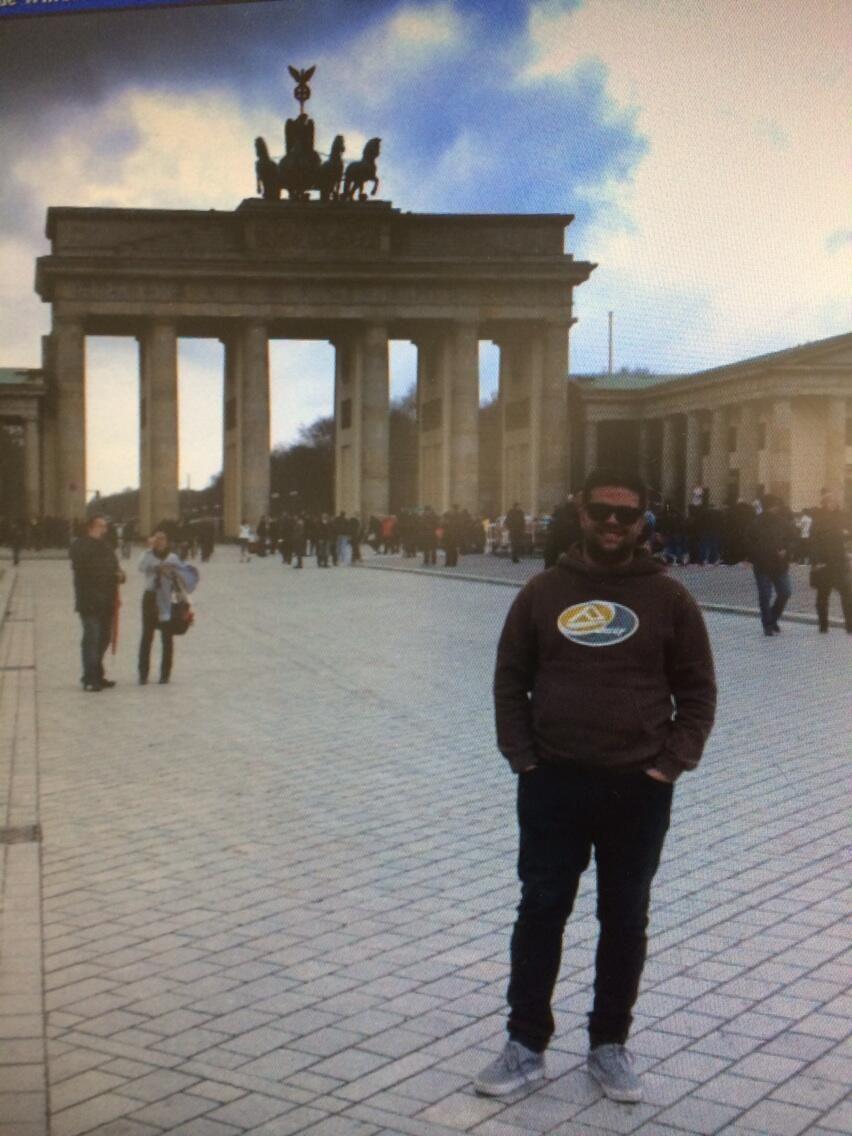 #LaFelicidadEsViajar @Vueling Airlines ...Berlin!!!!! O donde sea... Pero viajar!