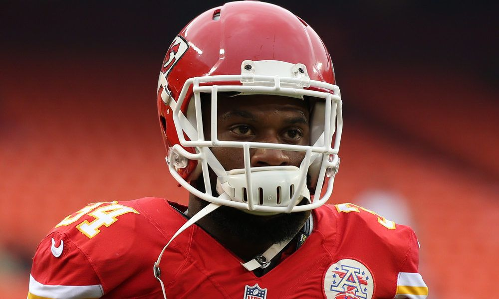 Chiefs trade RB Knile Davis to Packers = The Kansas City Chiefs have traded backup running back Knile Davis to the Green Bay Packers.  Certainly, he's a depth player and can contribute on special teams, but he may also see work at.....