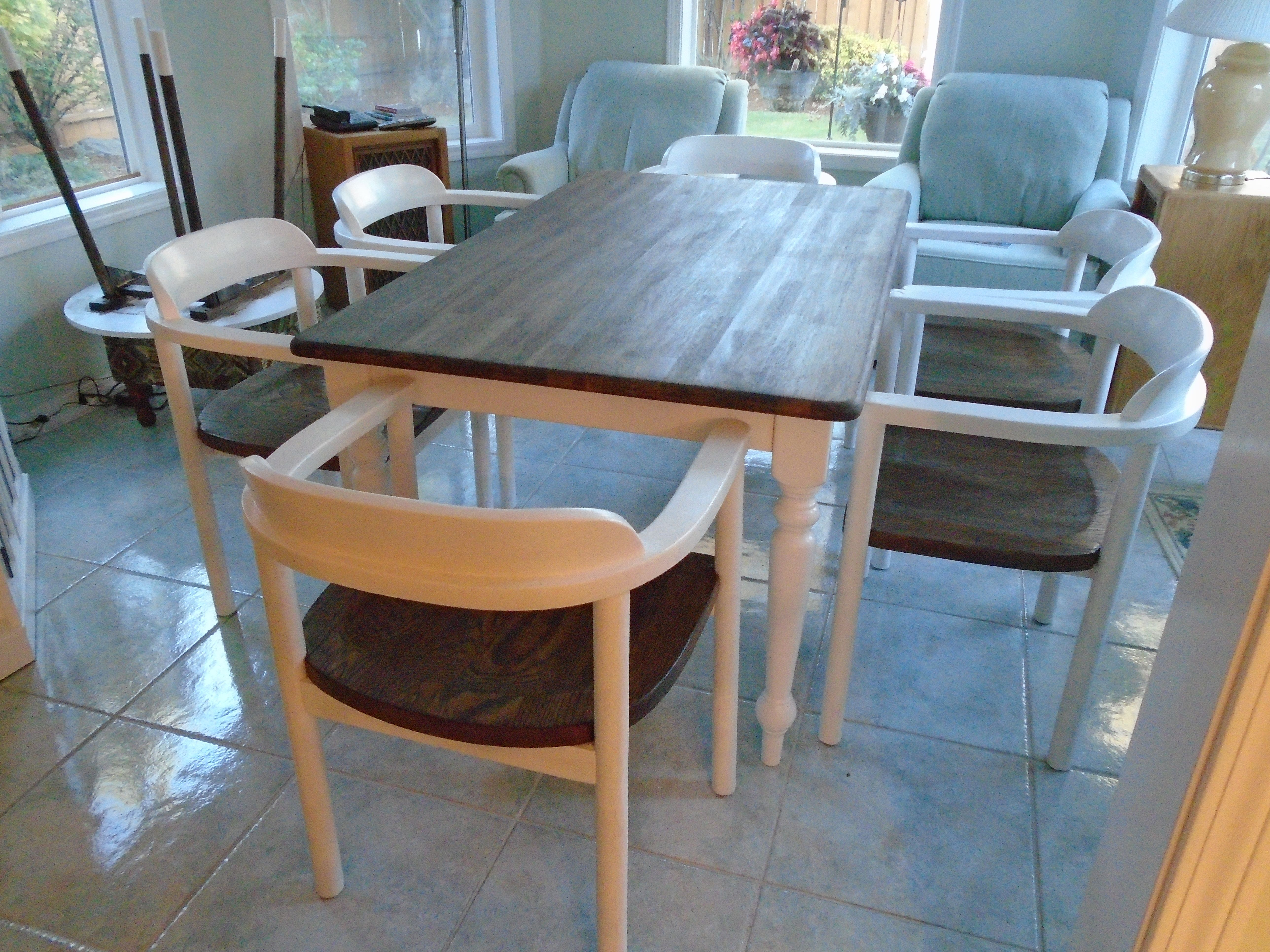 Rustic Farmhouse Table Brown Stained Top White Painted Legs 6 Stunning Captain Chairs For Dining Room Decorating Design