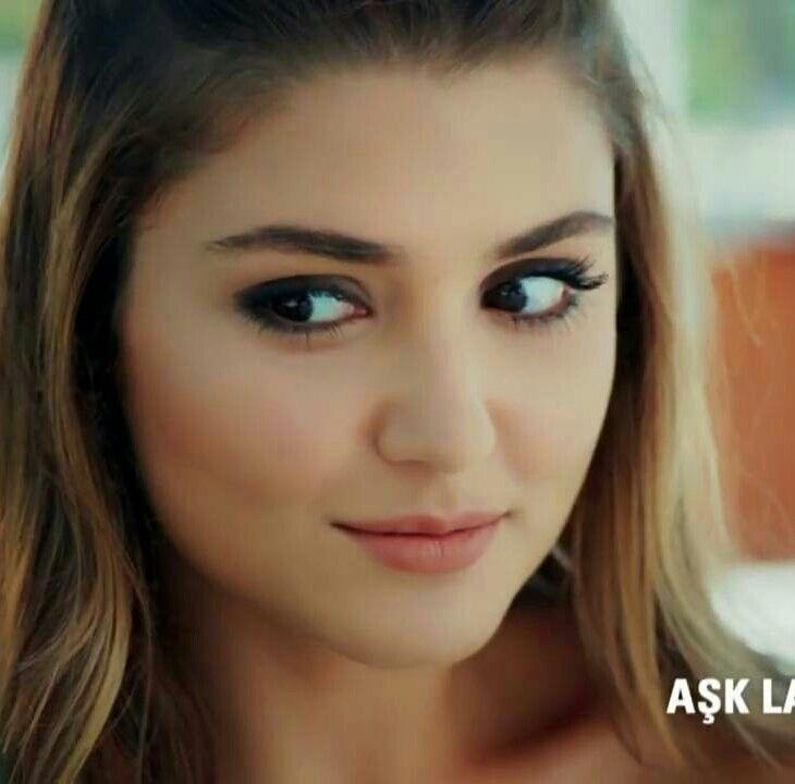 Pin By Xoloveezx On Girls Hande Ercel Beauty Face Beautiful Women Faces