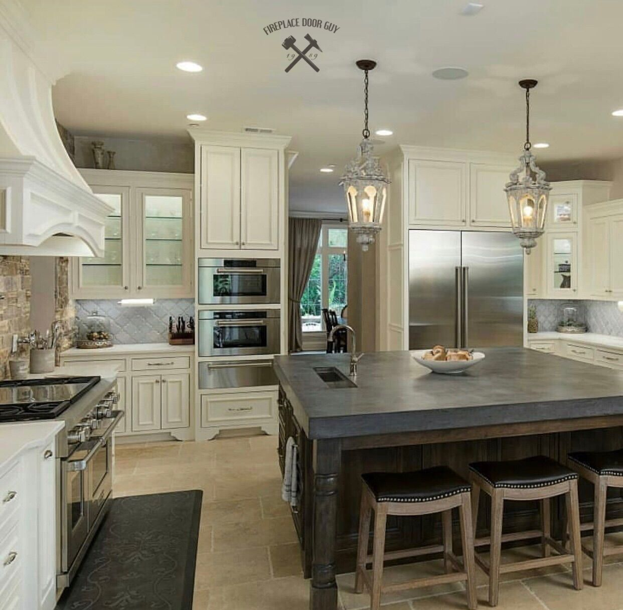 Gorgeous Modern Kitchen Remodel With A Granite Kitchen Island Kitchenisland Kitchenremodel Homeremodel Home Decor Interior Design Colleges Trending Decor