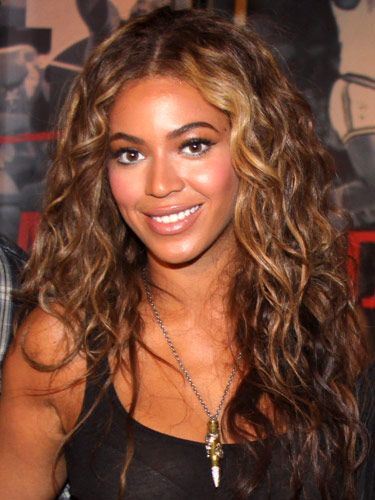 20 Cute And Easy Curly Hairstyles Beyonce Hair Hair Styles Curly Hair Styles