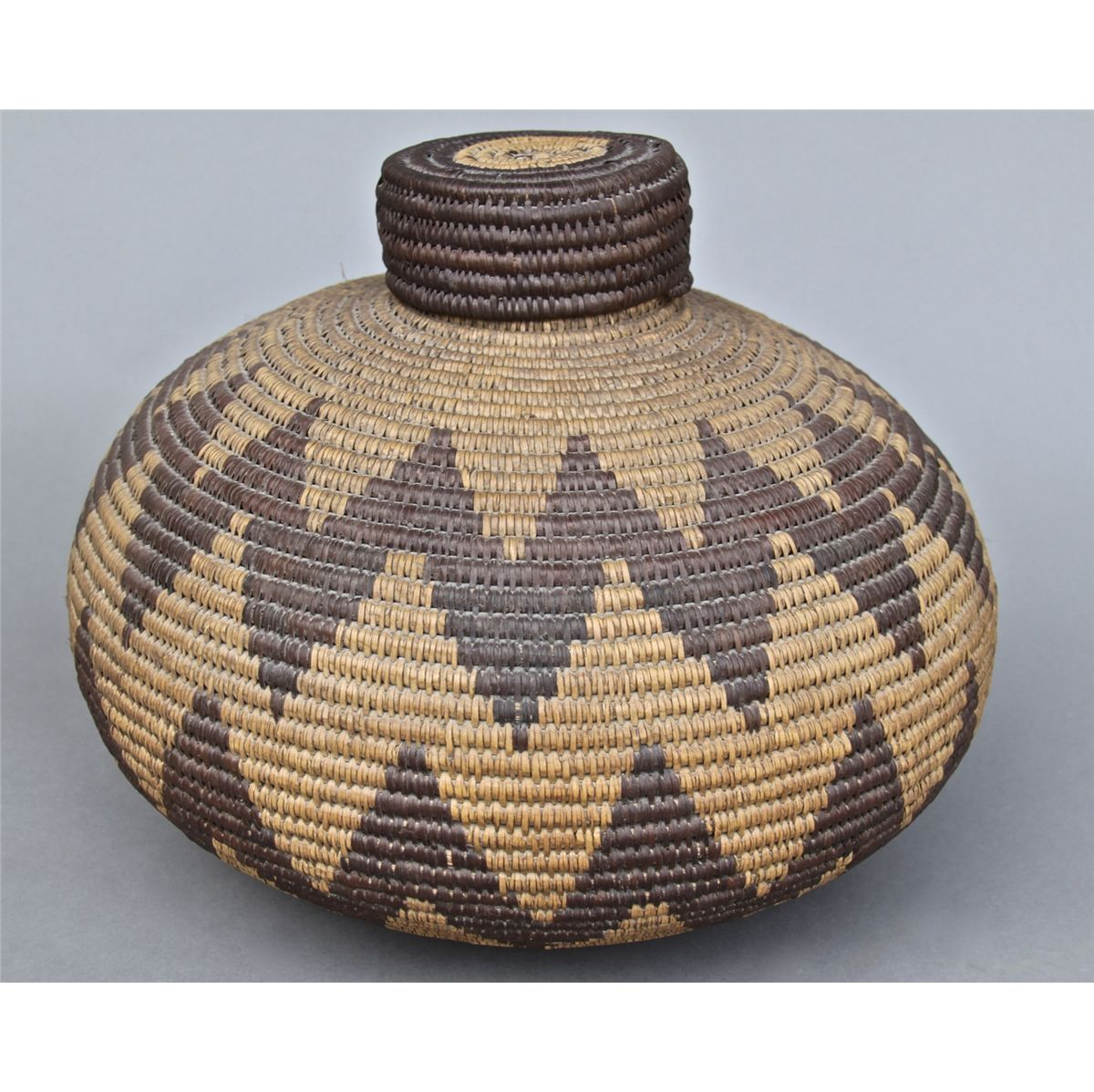 Traditional Native American Basket Weaving : Native american indian old woven basket lid