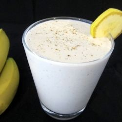 Banana Smoothie with Cardamom by recipesfromapantry
