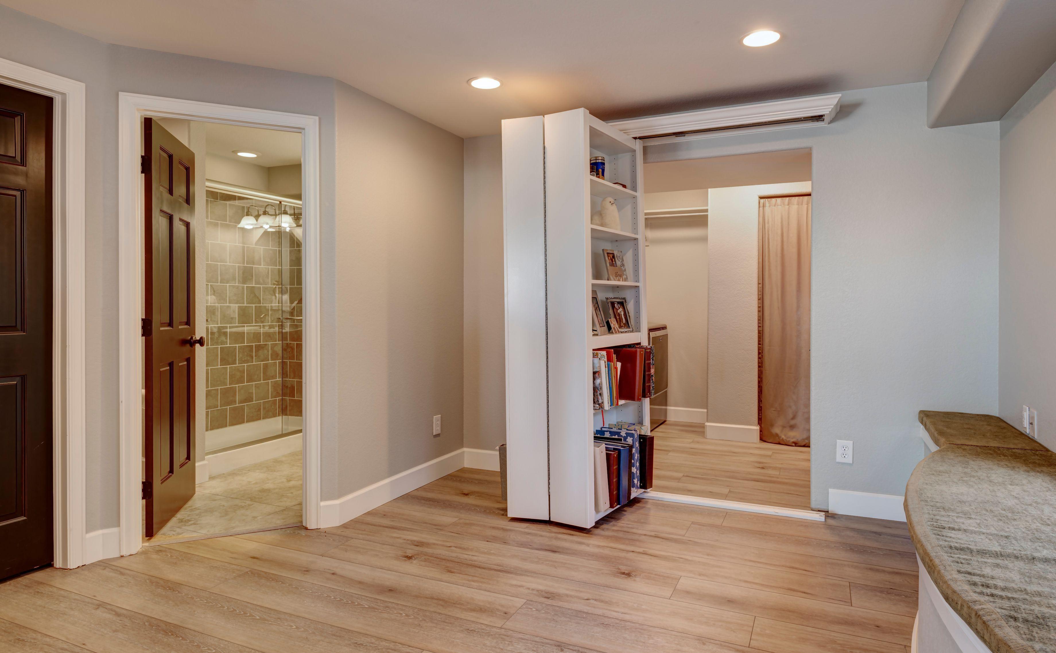 Open Bookcase Door In 2020 Heim