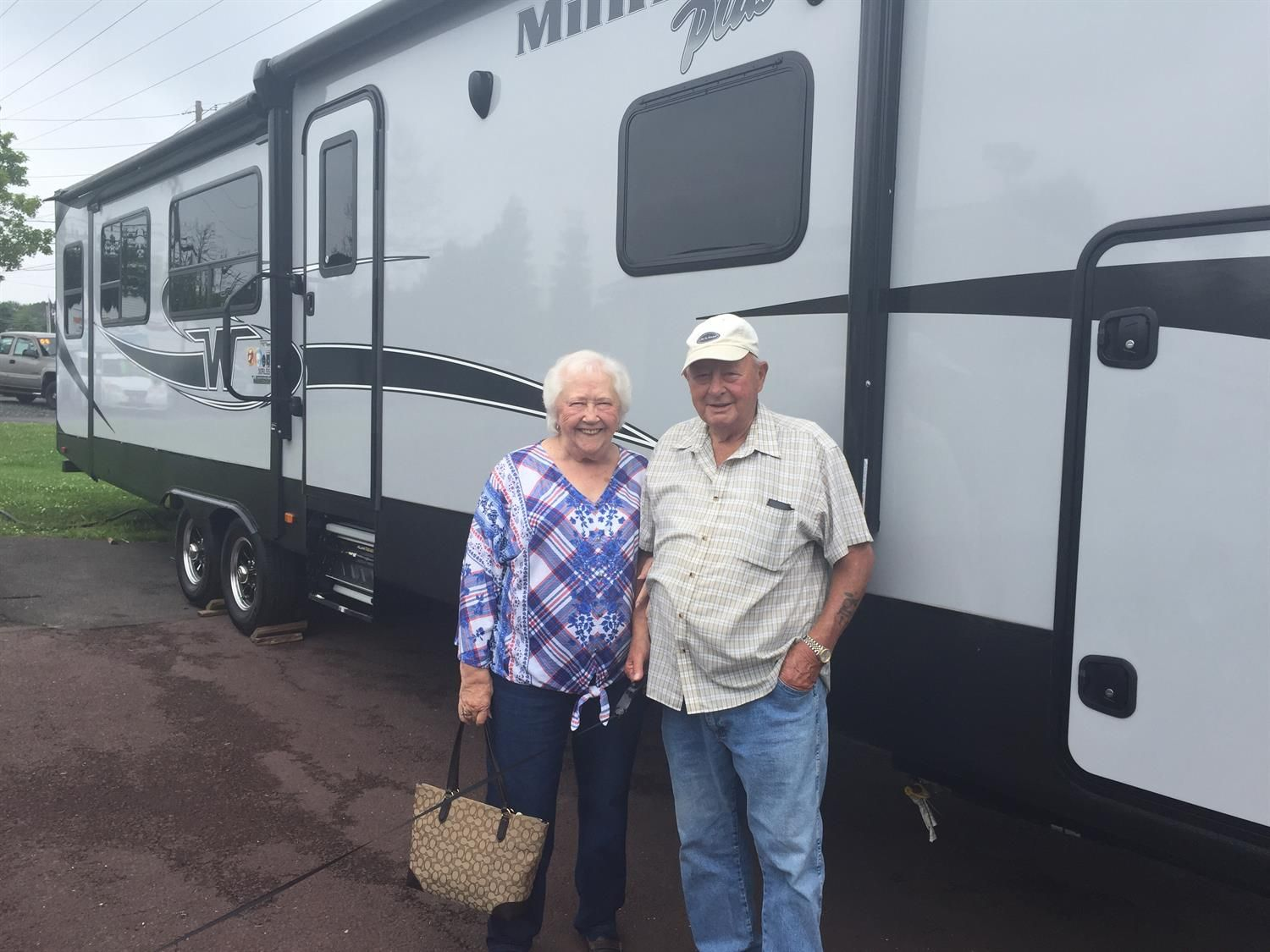 Awesome Congratulations To Don And Lucille On Your New 2019 Winnebago Minnie Plus Thank You Again Fretz Rv And Luke Wilson Winnebago Minnie Winnebago Rv