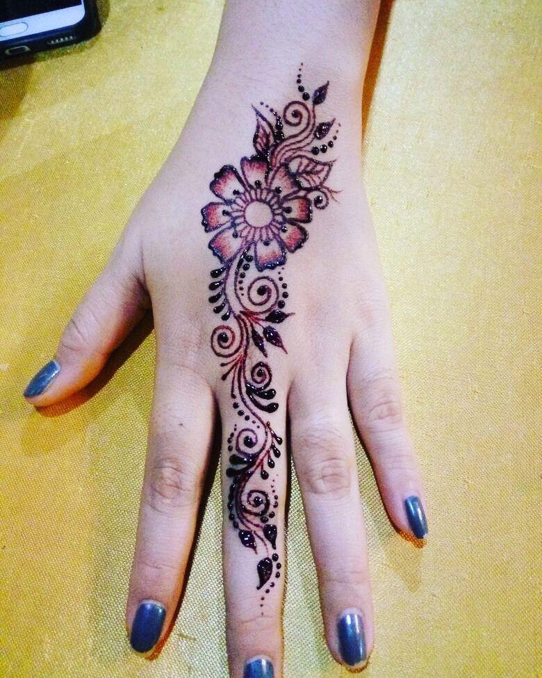 Gambar Mahendi Tangan Simple : gambar, mahendi, tangan, simple, Henna