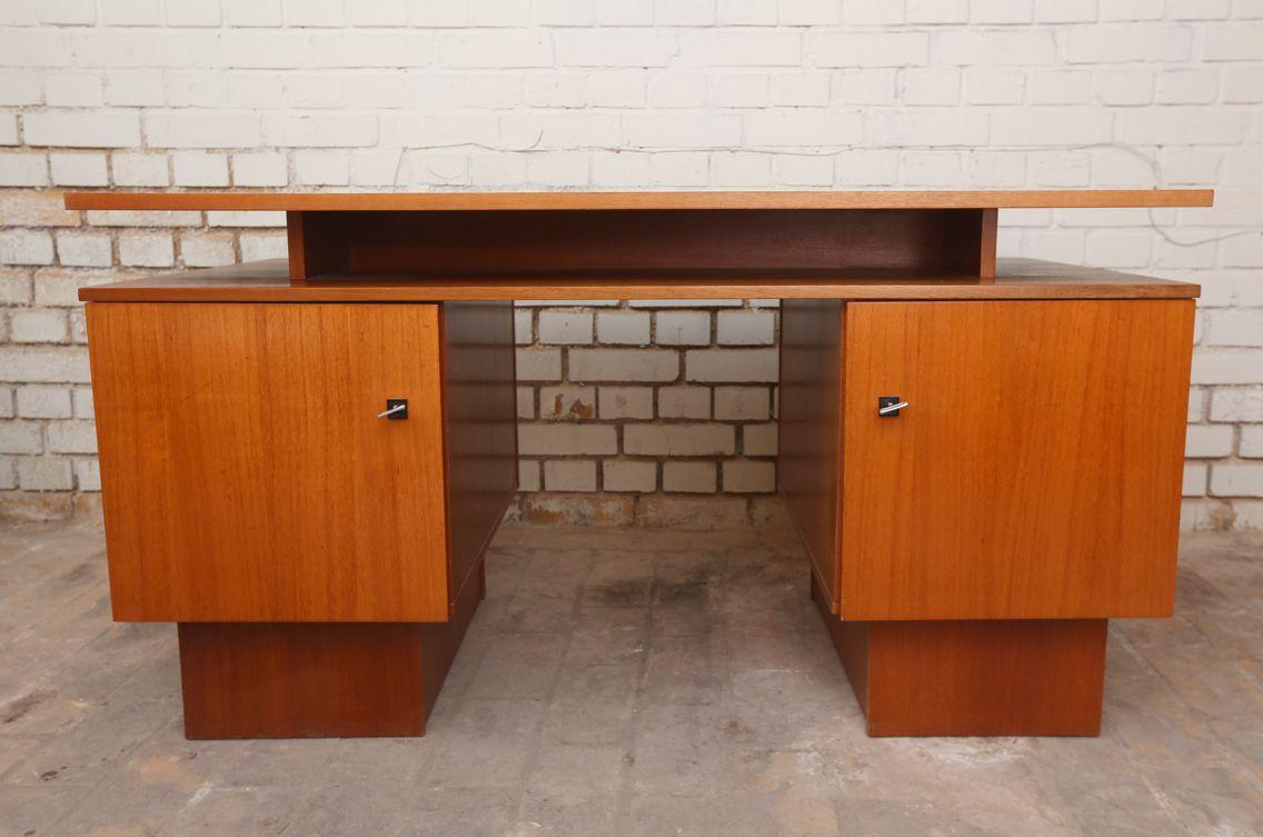 Schreibtisch 70er Jahre Mahagoni | Möbelkombinat | Pinterest ...