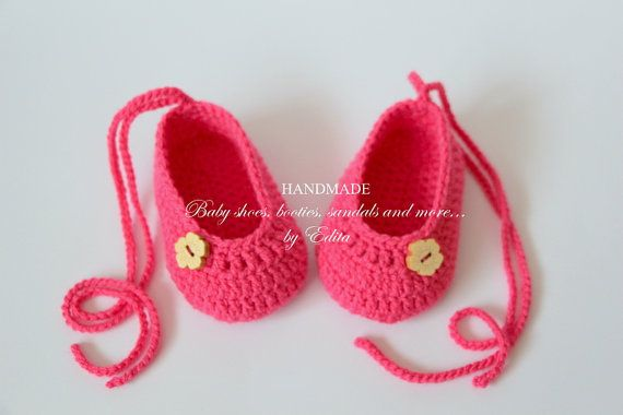 8202782616ecc Crochet baby shoes, baby girl shoes, baby booties, Mary Janes ...