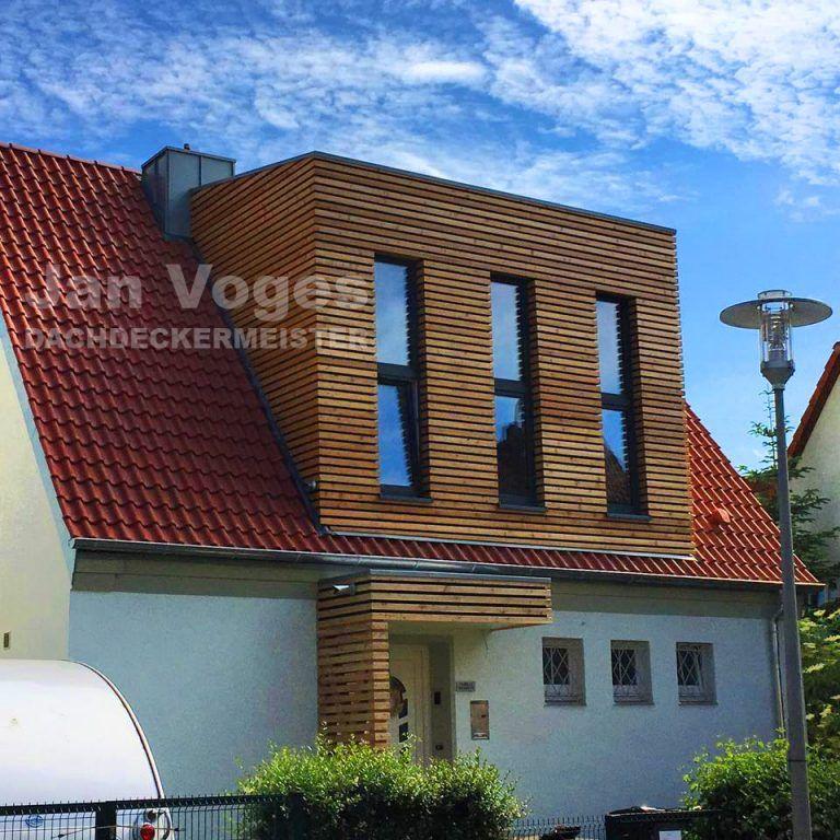 Wer Sich Ein Gartenhaus Wunscht Das Sich Schon Auf Den Ersten Blick Von Anderen Unterscheidet Liegt Mit Einem Tonnendach Gartenhaus Von Ka Gartenhaus Haus Dach