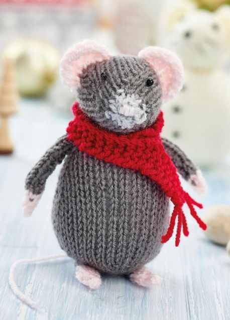 Free Knitting Pattern For A Christmas Mouse And Snow Mouse