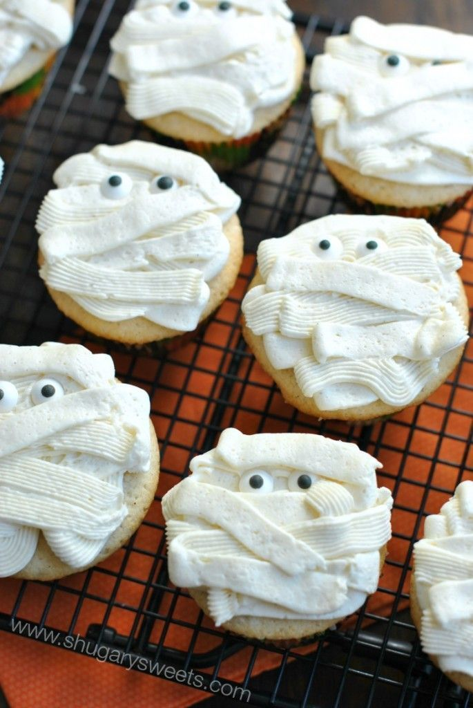 Vanilla Bean Cupcakes: the perfect white cake recipe with vanilla bean frosting! All decked out for Halloween.