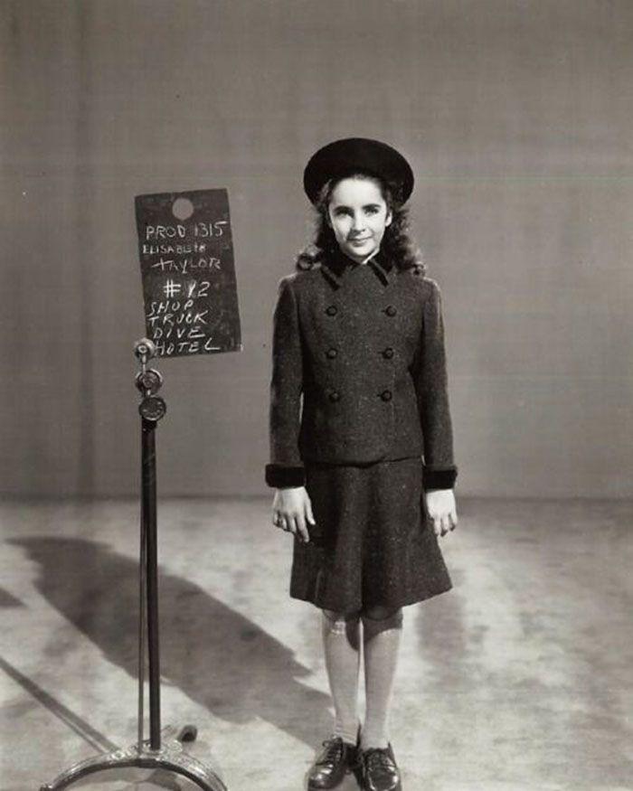 """Elizabeth Taylor En Un Test De Vestuario Para """"La Cadena"""
