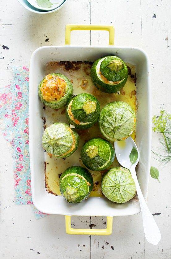 Stuffed zucchinnis