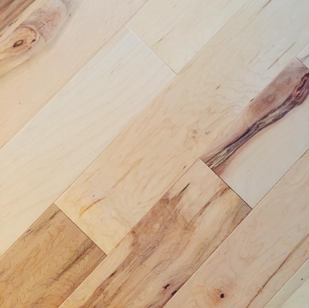 Pergo MAX 536 In W Prefinished Maple Locking Hardwood Flooring Natural