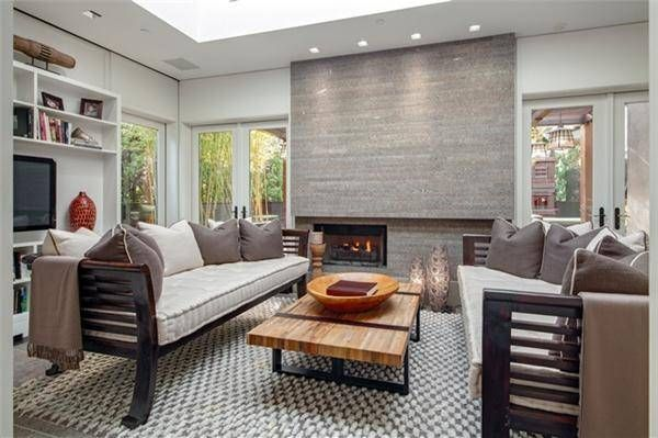Kelly Ripa and Mark Consuelos Sell Their Soho Penthouse Mark - kleine wohnzimmer modern