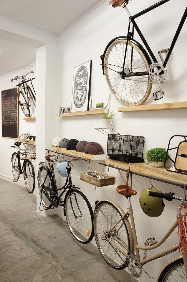 garage a velo de r ve ou shop visual merchandising display pinterest. Black Bedroom Furniture Sets. Home Design Ideas