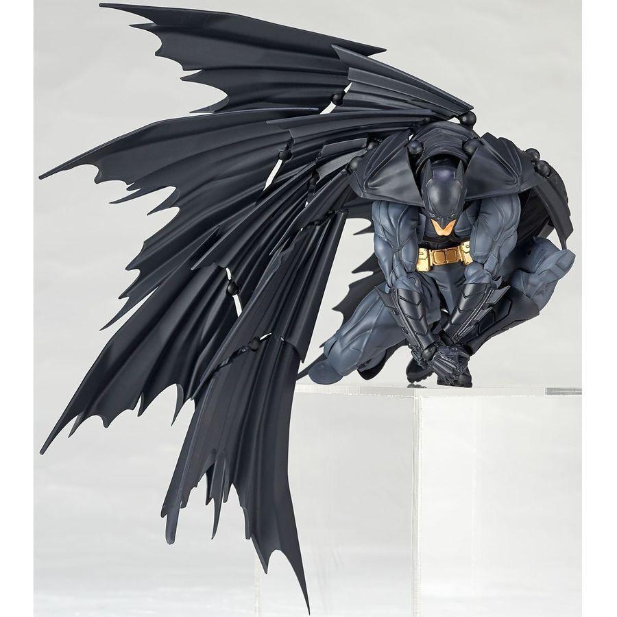 Kaiyodo Revoltech Amazing Yamaguchi Batman Action Figure Toy Removable Model New