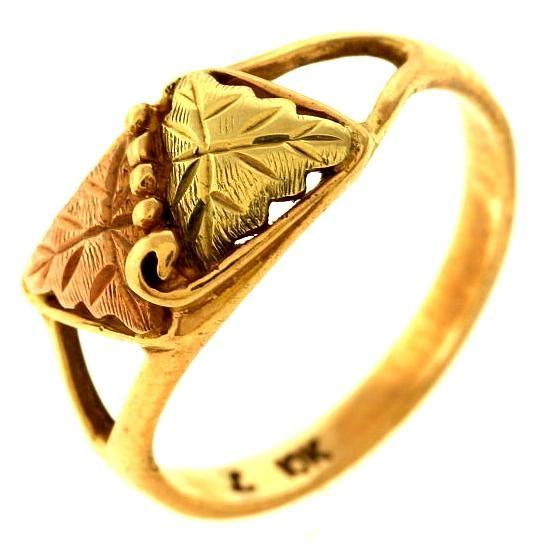 It S Worth Having A 2 3 Gram 10kt Gold Ring Http Www Propertyroom Com L 23 Gram 10kt Gold Ring 9775399 10kt Gold Ring 10kt Gold Gold Rings