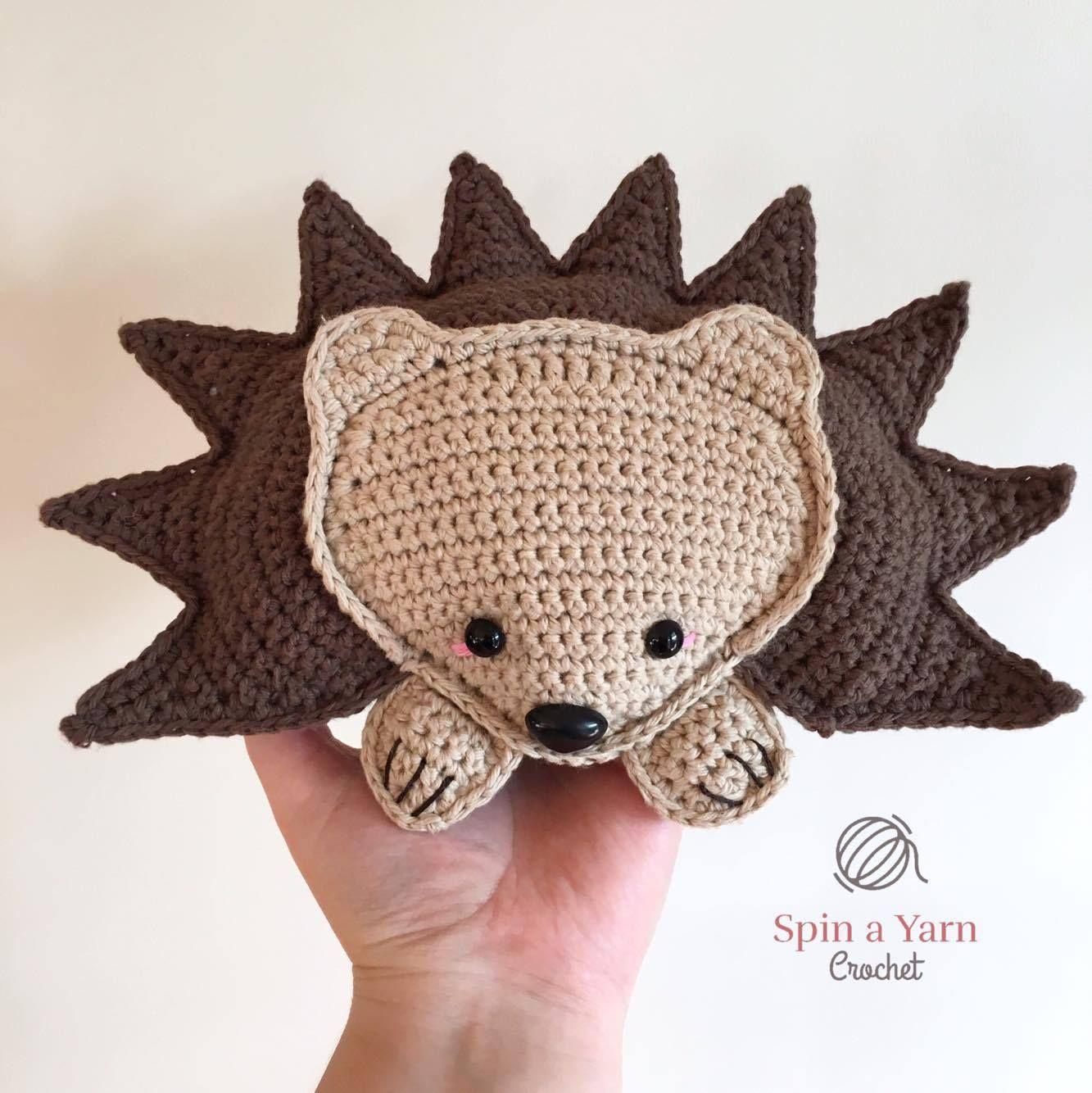 Hedgehog Amigurumi Free Crochet Pattern | Muñecas y Mundo
