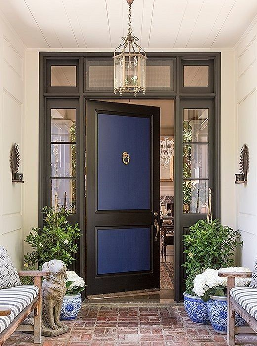 CREATE CONTRAST Make Neighbors And Guests Do A Double Take By Giving Your Front  Door A Two Toned Look. Here, The Matte Blue Of The Dooru0027s Inner Panels ...