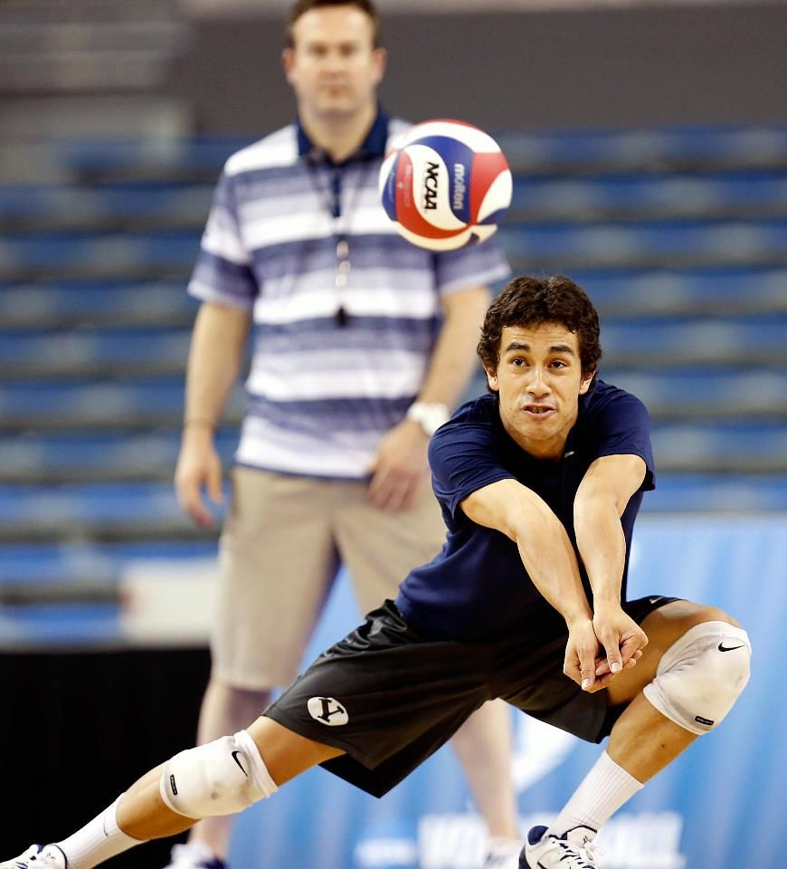 Jaylen Reyes Practice At Ucla For Ncaa Semifinals No 1 Seed Byu Vs No 4 Seed Penn State Thursday May 2 11 Pm Est Mens Volleyball My Boys Ucla