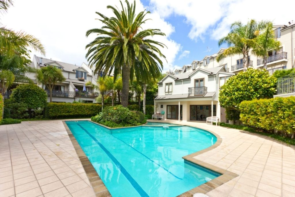 Places to Stay in Auckland, New Zealand for under £25 per person per night