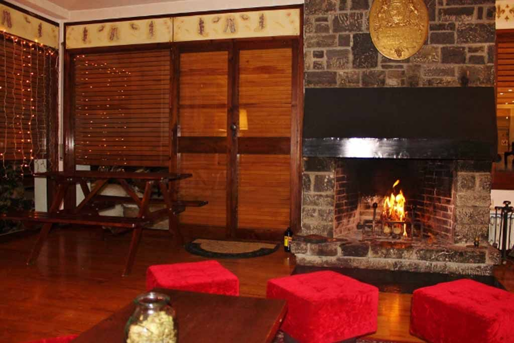 Andorre Chalet Llopis 12 16 Pers Location Francophone Chalet Home Decor Fireplace