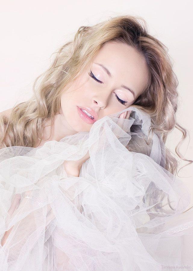 "nireyna: "" Rosy Dreams "" by Tatyana Rudenko"